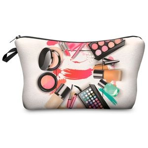 NWT Fashion Graphic Cosmetic Bag ~ Makeup